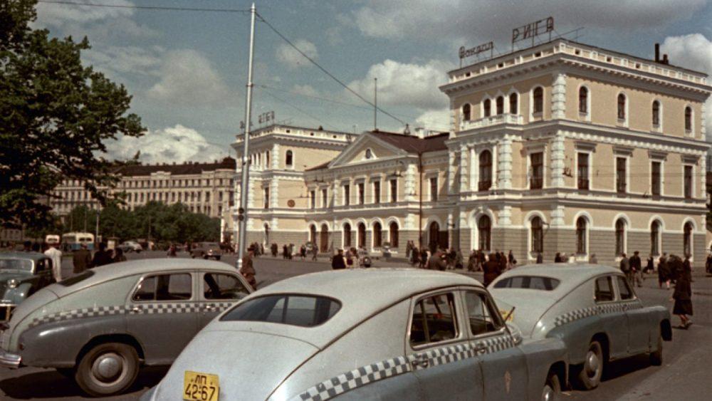 Dominiks Gedzjuns. Railway station in Riga, late 1950-ies