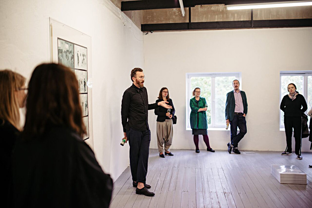"The opening of ""Prosu(u)mer"" at EKKM. In the cente - curator David Raymond Conroy. Photo by Tõnu Tunnel"